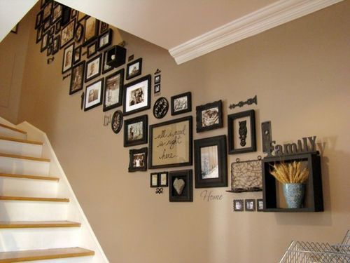 staircase decor, link is updated to the original source: Wall Collage, Photos Galleries, Families Pictures, Pictures Collage, Galleries Wall, Photos Wall, Families Photos, Pictures Frames, Pictures Wall