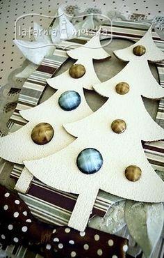 Christmas Tree - white embossing  http://www.hurt.scrap.com.pl/bozonarodzeniowe-choinki-smukle.html