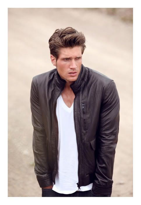 Best 25 men 39 s plain t shirts images on pinterest men 39 s for Leather jacket and shirt