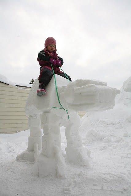 How to Make an AT-AT Imperial Walker Snow Sculpture: Amazing! #Snow_Sculpture #AT-AT