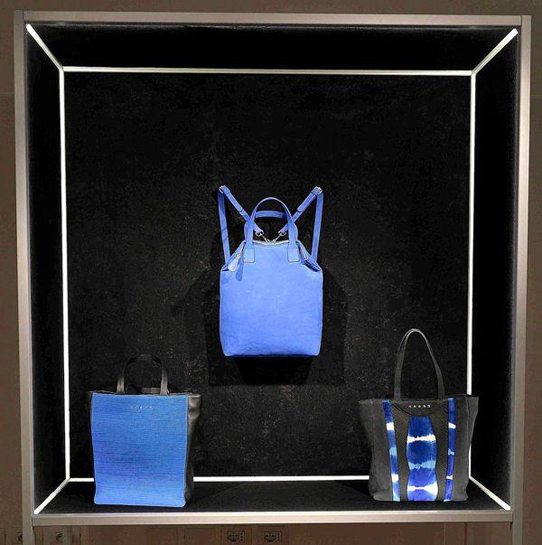 L'ed emotion design a Milano ha scelto il collettivo artistico Liu Dao per la sua SS 15 collection experience.http://www.sfilate.it/234012/led-emotion-design-milano-svela-nuove-borse-si-illuminano