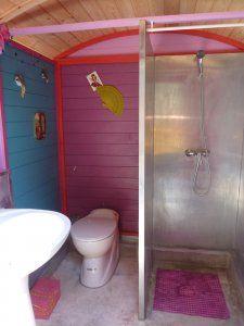 Toilettes Roulottes  http://blog.zodio.fr/jeu_concours/113736-deco-maison-toilettes-4