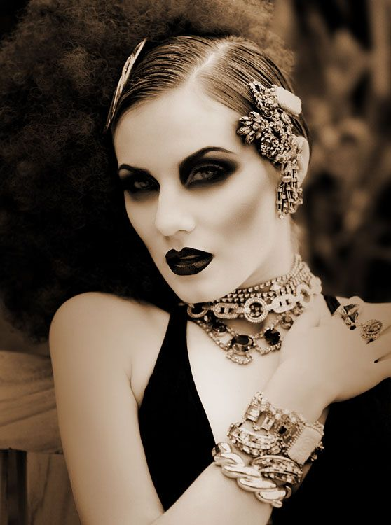 LOVE the makeup & natural hair... HATE the afro! And little restraint w/ the jewelry and it would be total perfection... Practice restraint...: Gothic Beautiful, Goth Girls, Flappers Makeup, Eye Makeup, Dark Eye, Halloween Makeup, Dark Beautiful, Flappers Girls, Goth Makeup