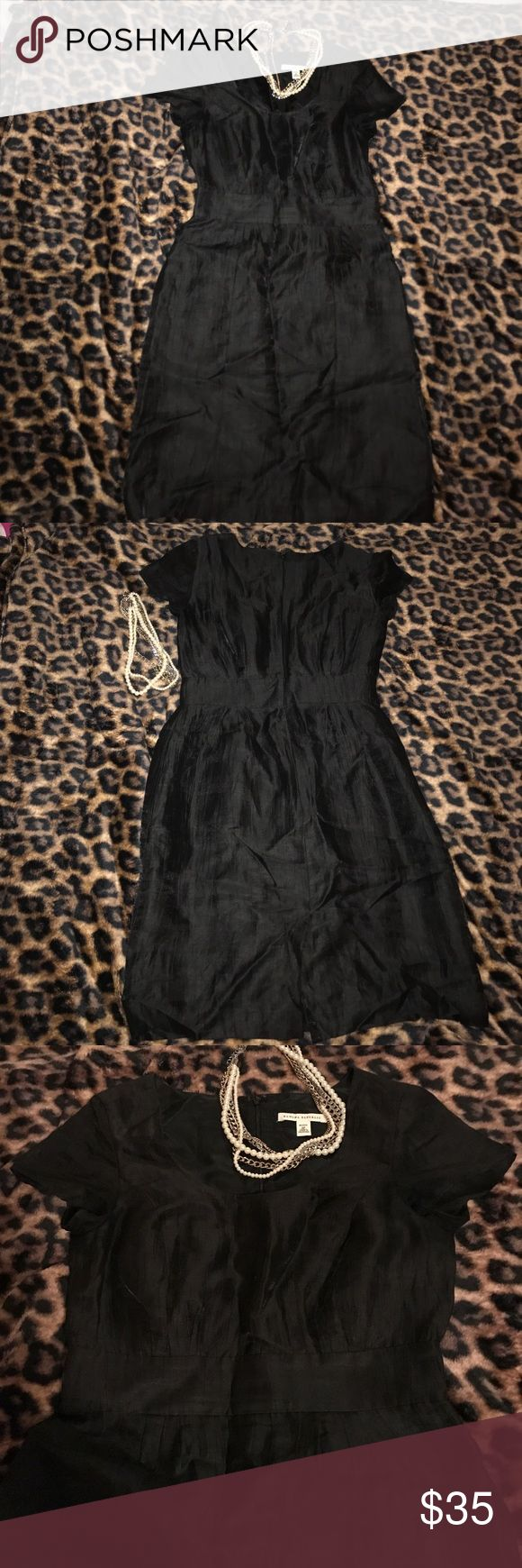 "💕""Banana Republic"" Petite Black Dress Sz 2P 💝 💝 ""BANANA REPUBLIC"" Beautiful Petite Black Dress Sz 2P. 84% Linen, 16% Nylon, the material has some kind of glow to it!!! Slightly open in the back. Only worn Once!!! Like New!!!❤️😍 Banana Republic Dresses"