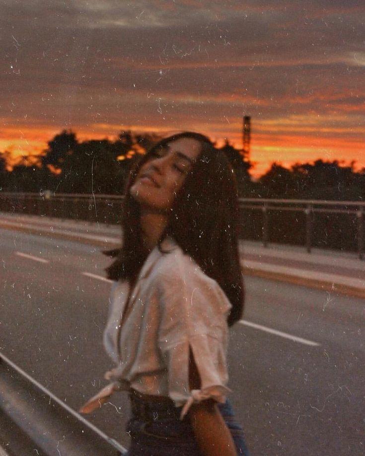 Roman ICH HABE JETZT NIE GESTOPPT – Monate nach einem Autounfall, bei dem ihr Liebhaber ums Leben kam, …