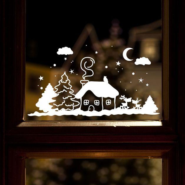 **Fensteraufkleber: Winterhäuschen mit Schnee**  Mit diesem Angebot erwerben Sie den Aufkleber in der Größe: **M 35 x 65 cm in der Farbe weiß**  Weitere Größen im Angebot: S 20 x 37 cm für...