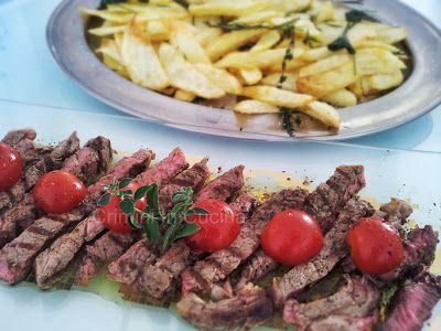 Crimini In Cucina: Tagliata di carne e patate alla toscana di Nigella
