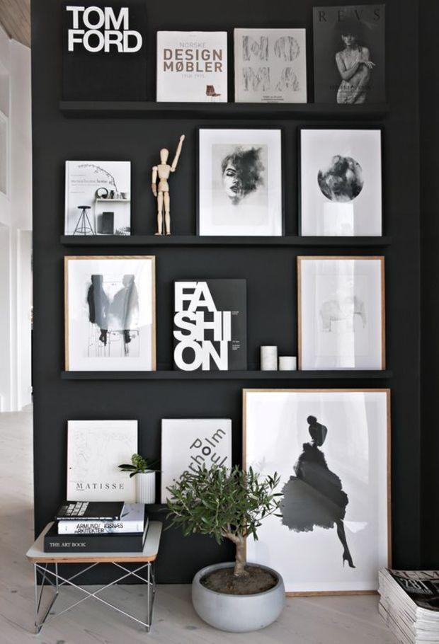 black wall and frames // muitos quadros em uma parede preta <3 #interiors