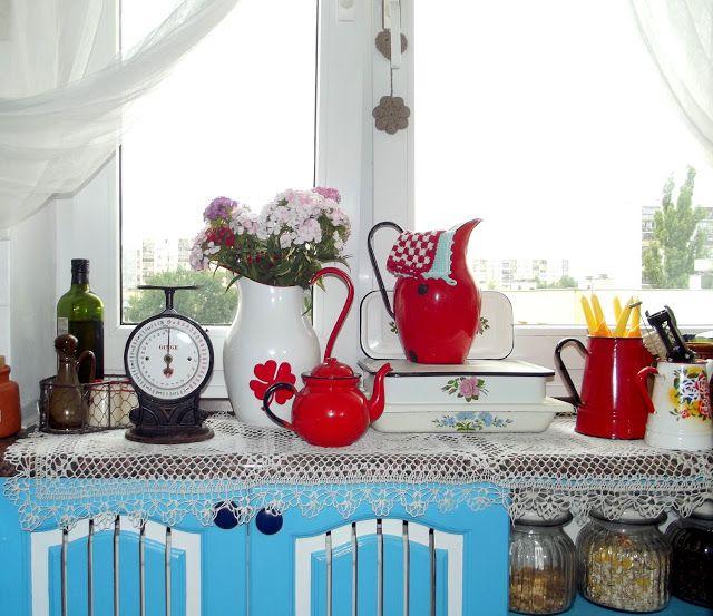 vintage kitchen, enamel, old enamelware, old stuff