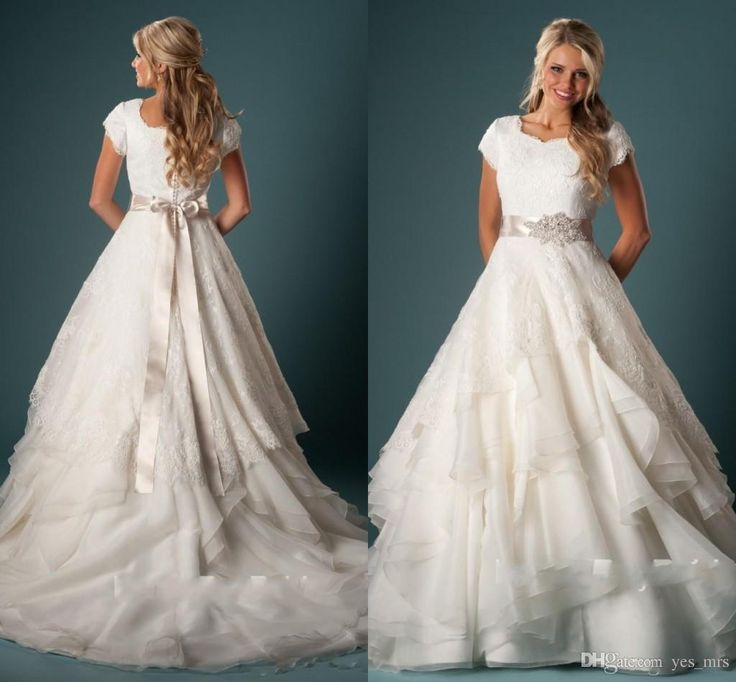 Superb  New Vintage Cheap Wedding Dresses A Line Jewel Neck Short Sleeves Lace Appliques Sashes Ruffles