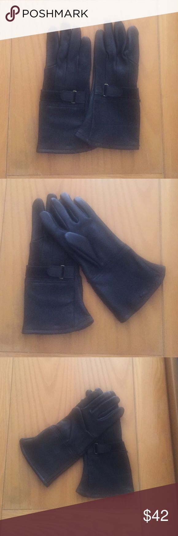 Motorcycle riding gloves New without tags American leather women's riding gloves size XS. They fit past wrist and have and gold leather and Velcro adjusting strap at the wrist. Will keep the female motorcycle riding enthusiast warm!!! American leather Accessories Gloves & Mittens
