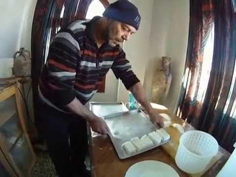 """Φτιάχνω τυρί φέτα #2 Homemade cheese Greek """"feta"""""""