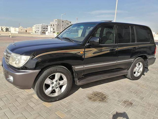 للبيع لاند كروزر موديل 2001 من وكالة البحرين 8 سلندر Vxr تبديل جميع القطع الاستهلاكية في السيارة مؤمن مسجل شهر 2 سنة كاملة بدون حوادث اربع اطار Car Suv Suv Car