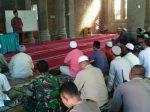 Dewan Dakwah Aceh gelar daurah Syariat Islam untuk aparatur gampong  PIDIE (Arrahmah.com)  Pengurus Wilayah Dewan Dakwah Aceh bekerjasama dengan Yayasan Tgk Syik Abdullah Ujong Rimba menggelar daurah syariat Islam untuk aparatur gampong di Mesjid Baitussaadah Teureubue Kecamatan Mutiara Pidie 3-4 Juni 2017. Daurah itu diikuti sekitar seratusan peserta yang terdiri dari tokoh masyarakat tokoh pemuda remaja aparat gampong dan tokoh perempuan.  Ketua panitia pelaksana Mahdi mengatakan pihaknya…