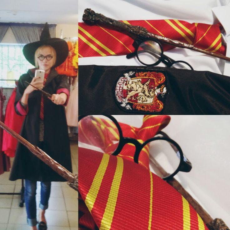 """Встречайте обновку) 100% соответствие оригиналу!!! Костюм Гарри Поттера уже в Студии! Ждем на примерку P.s.  Наш администратор Карина тоже не удержалась и """"вошла в роль"""""""