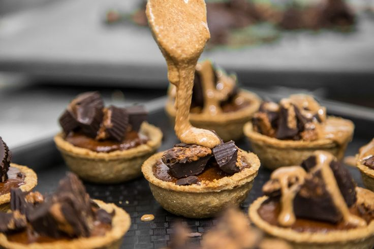 If you love entertaining PALEO style you are going to LOVE this   MOCHA CACAO NIB AND BERRY TARTLETS.