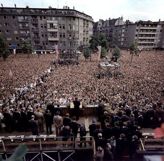 """An over the shoulder view of JFK's """"Ich bin ein Berliner"""" speech. [1963]"""