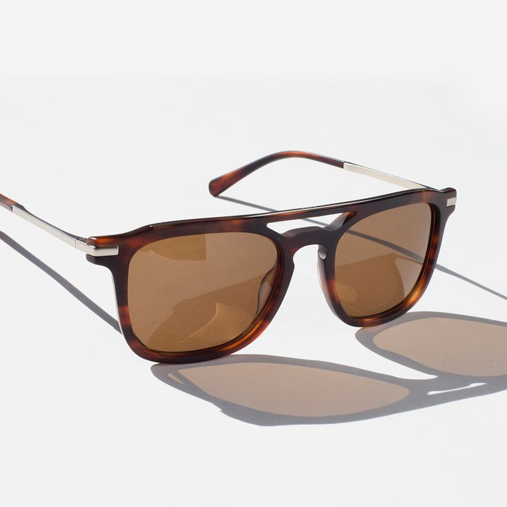 The Kettner is our luxury take on the Wiley. These square brow bar sunglasses have a Sunday cruise kind of feel... an I'll pick up the check sort of vibe to them.