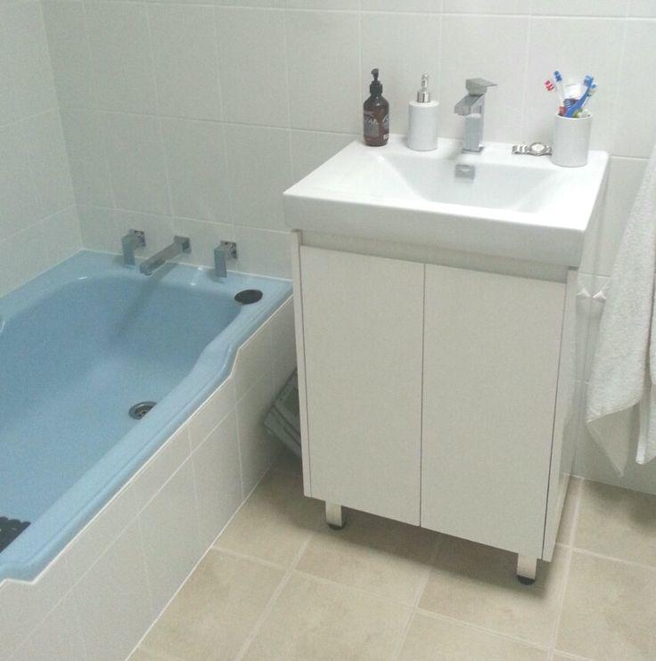 Modern vanity-50's basin goonneee!