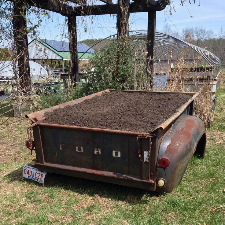 Old Truck Bed Turned Raised Garden Bed I Love This I Can Just Imagine It Overflowing With Flowers And Vegetables