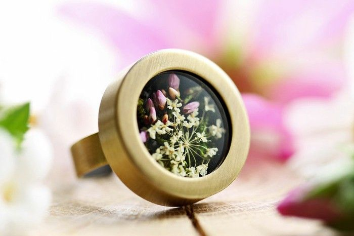 brass ring around tart aryanised flowers fairy jewelry