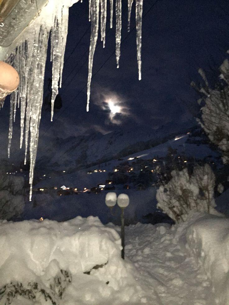 Luna sobre los Alpes