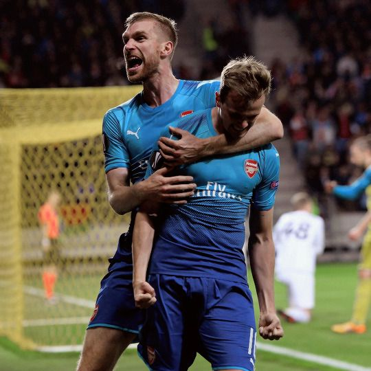 "oliviergiroudd: ""Rob Holding celebrates scoring Arsenal's 3rd goal with Per Mertesacker during the UEFA Europa League group H match between BATE Borisov and Arsenal FC at Borisov-Arena on September..."