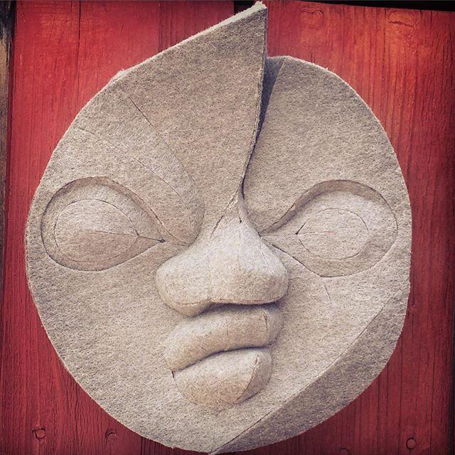#tarookamoto #太陽の塔 #岡本太郎 #パンチカーペット #フェルトパンチ #立体造形 #作ってみた #カラーパンチ #カラーパンチシリーズ #太陽の顔のマケット #太陽の顔