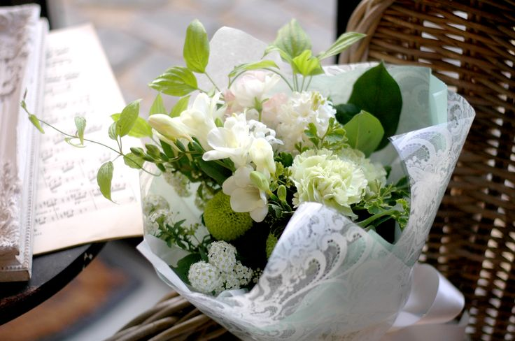 "2016 Bouquer Flower ""White & Green"""