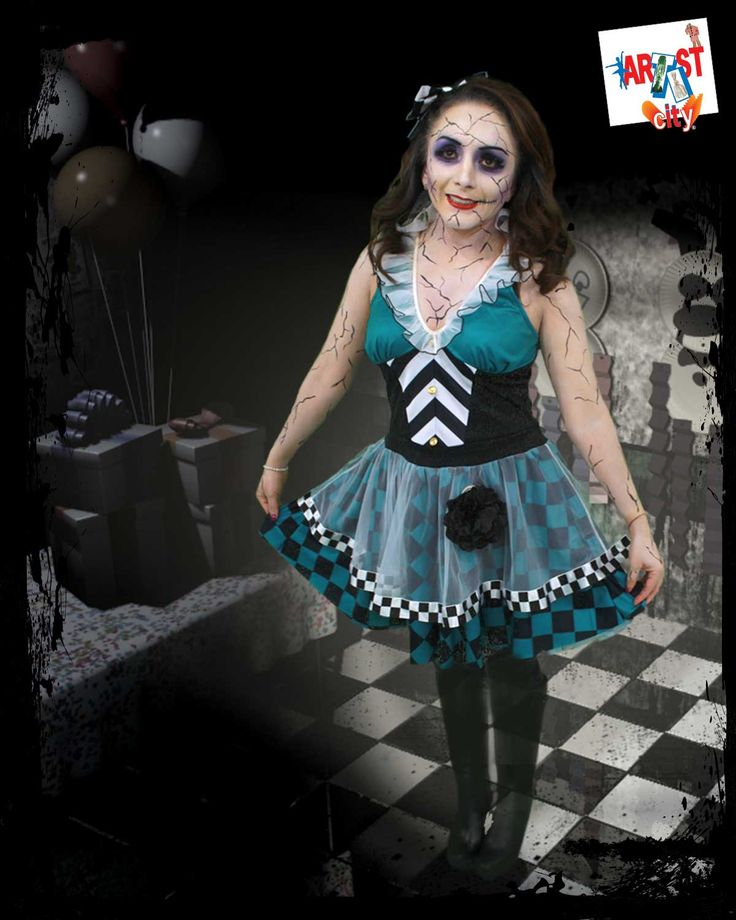 Muñeca de porcelana rota Servicio de maquillaje en temporada de Halloween con previa cita, comunícate a tienda para citas y precios.