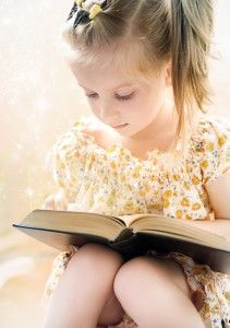teaching how to read: Kids Learning, Girls Reading Books Eye Down, Cute Ideas, Schools Libraries, Teaching Ideas, Children Photography, Children Reading, Kids Reading, Photography Ideas