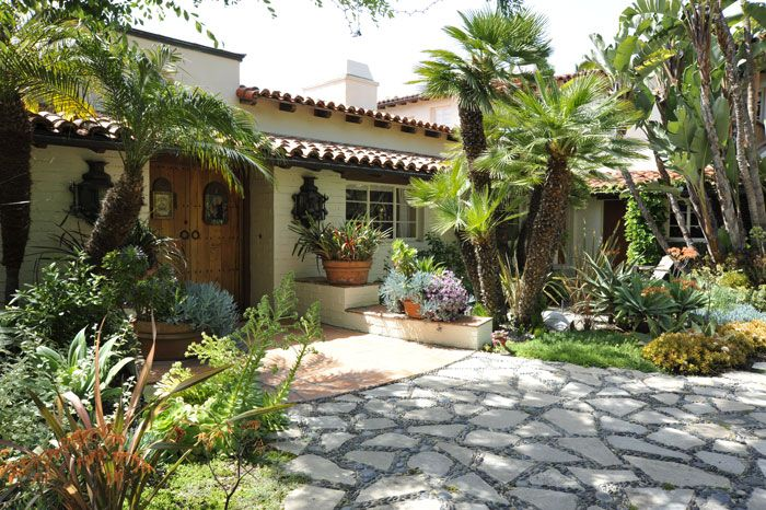 Spanish style landscape requires you to have a nice shady for Colonial landscape design