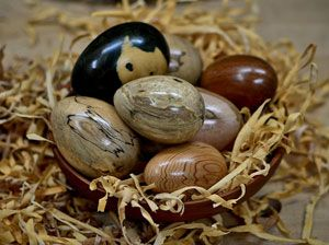 How to Wood Turn an Egg. By Curtis Turner, via The Highland Woodturner