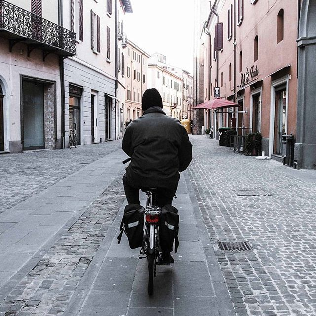 In Pista. Ciclabile.  #inpistaciclabile  #bicicletas #bicicletta #bici #natura #nature  #pedalare #pedalandoefotografando  #green #igitaly  #gf_hdr #igitalia  #bicile #ciclyng #cicle #ciclo #cicloturismo #cicloreporter  #hdr #hdrphotography  #certocheconunaleica #ebike