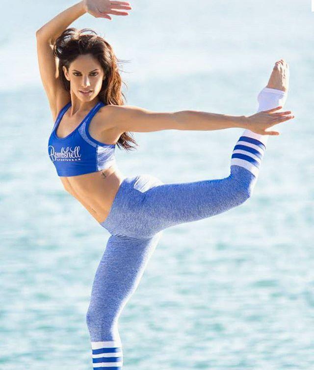 Bombshell blue sock leggings = fun at the barre.  In stock ------ #barre #simplyworkout #barresocks #barreaddict #tiuteam #poppilates Photo: @bombshellsportswear