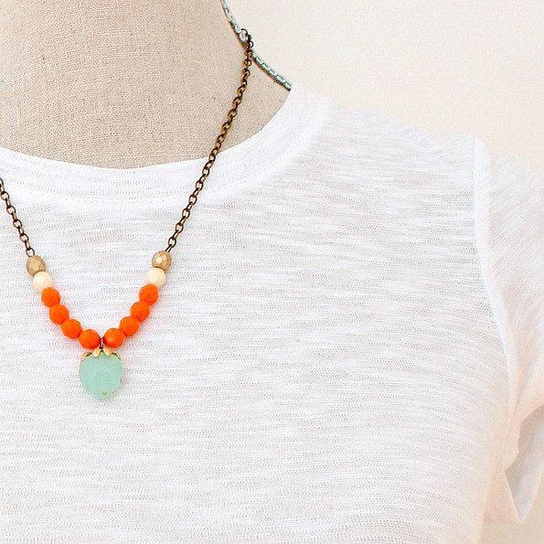Orange+Strand+Gemstone+Necklace+von+NestPrettyThingsShop+auf+Etsy,+$42,00