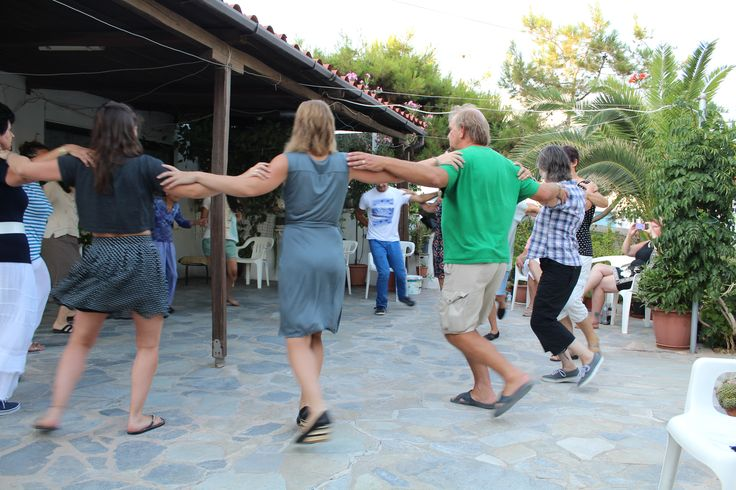 After 4 hours of Greek lessons every day, the OMILO students enjoy their Greek dance lesson in the afternoon! the perfect relaxation! :) http://www.omilo.com/syros/