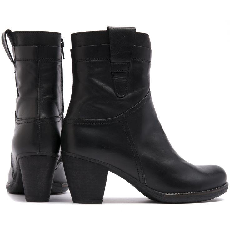 WAGON   Cinori Shoes #cinori #love #wonders #boots #stylish #fashion #sophisticated #thickheels #feminine #shoes #shoeobsessed