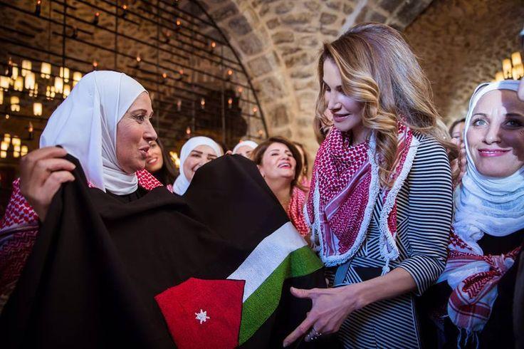 La reine du Jourdan avec les activisties des reseaux sociaux
