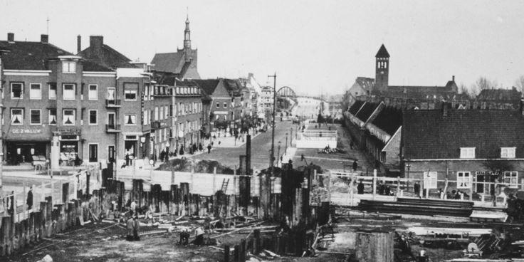 1940 aanleg tunneltje Groene Hilledijk. Bree rechts Tuindorp Vreewijk.