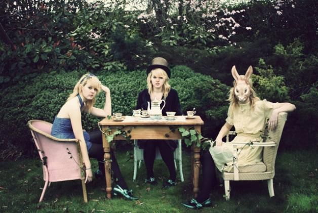 Wonderland teatime