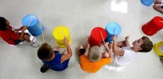 Easy bucket drum routine to Trepak from the Nutcracker!