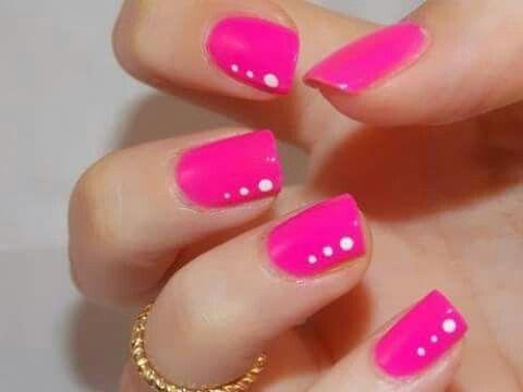 Nails uñas fucsia sencillas