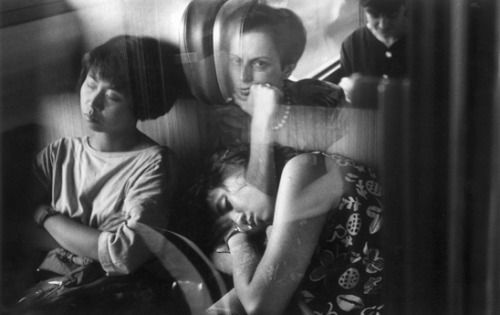 Gianni Berengo Gardin :: Sul treno Milano-Roma, 1991
