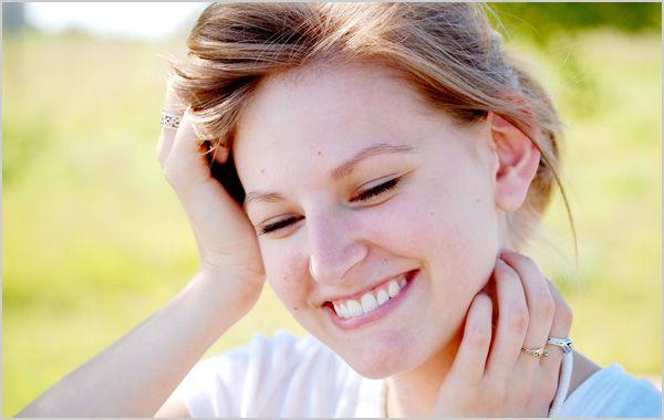 毎日たったの1分間♡口角を上げる簡単トレーニング術3選♡ - Locari(ロカリ)