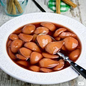 Stoofpeertjes met rode port, Ceylonkaneel, vanille en honing: onbetwist de allerlekkerste! Heerlijk bij een winters stoofpotje of een wildgerecht!