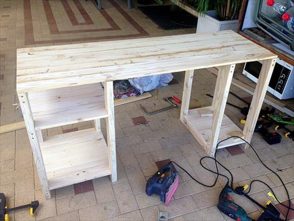 Best 25 computer desks ideas on pinterest - Diy small corner desk ...