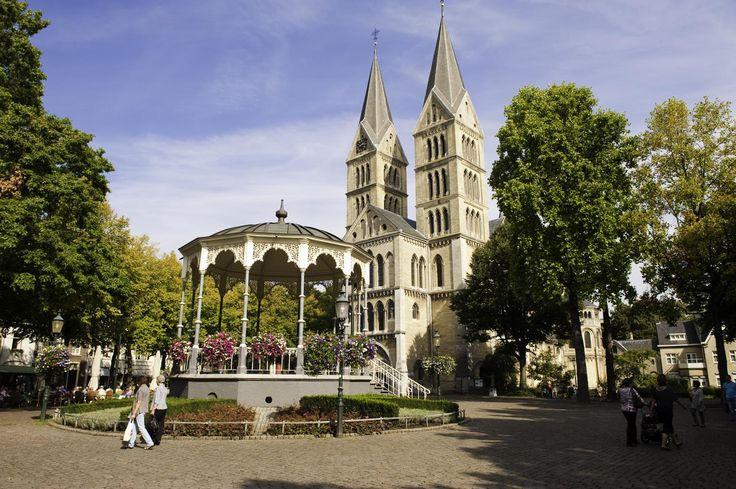 """Het stadscentrum van Roermond is al meermaals bekroond met de titel """"Beste binnenstad van Nederland"""" en dat is niet voor niets!"""