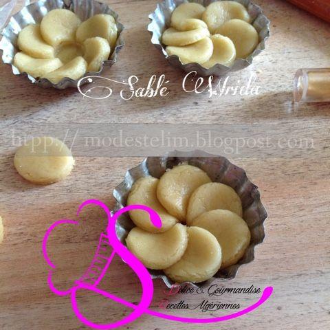 Sablé Wrida Les sablés j'adore on retrouve ces gâteaux sec sur chaque table à l'heure du café . On prépare ces gâteaux au cours de...
