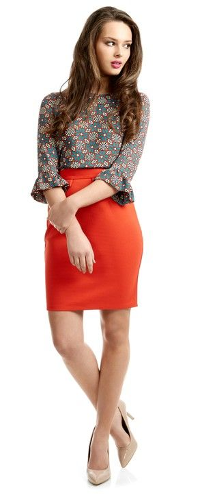 For the perfect work wear outfit, team this bright pencil skirt with this eye-catching printed top and you will definitely be bang on trend.
